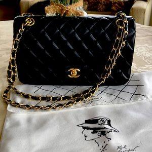 Chanel 2.55 Classic Matelasse double flap bag